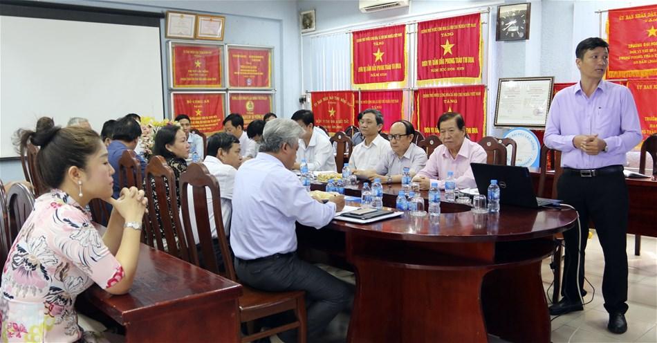 Lãnh đạo thành phố Biên Hòa thăm và làm việc với trường