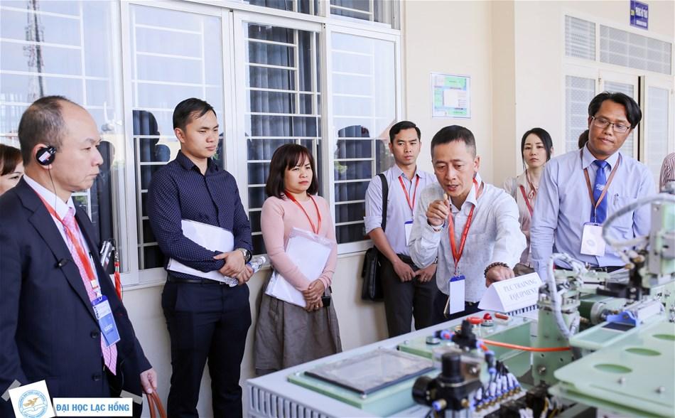 Hoạt động đẩy mạnh hợp tác giữa doanh nghiệp và nhà trường