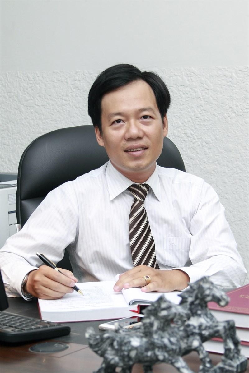 TS. Nguyễn Huỳnh Bạch Sơn Long