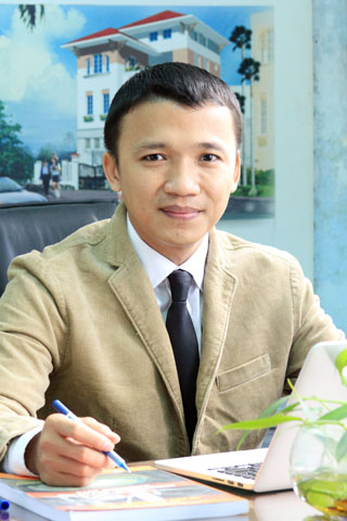 TS. Nguyễn Khánh Hùng