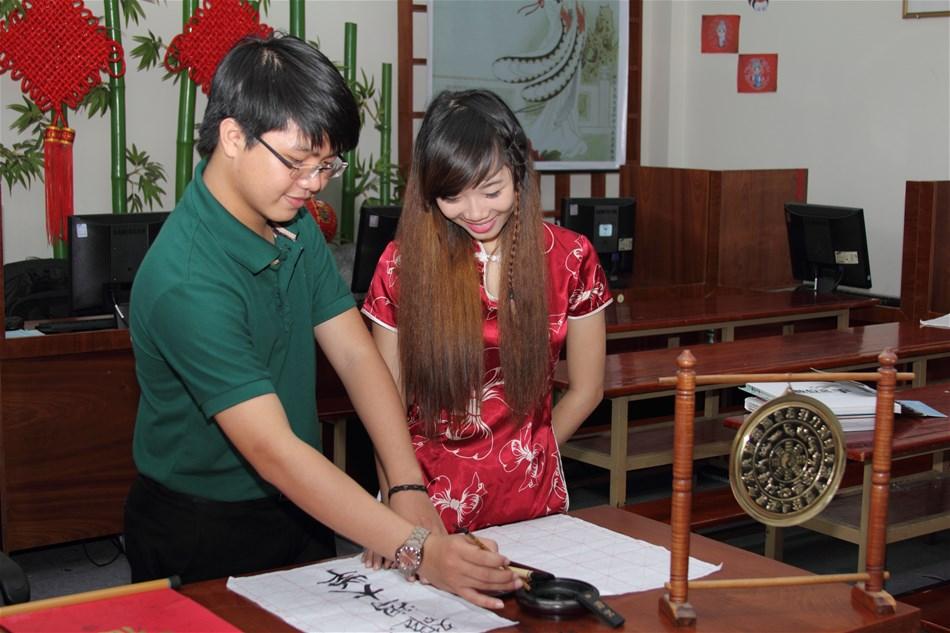 Ngành Ngôn ngữ Trung Quốc học gì? Ra trường làm gì? Làm ở đâu?